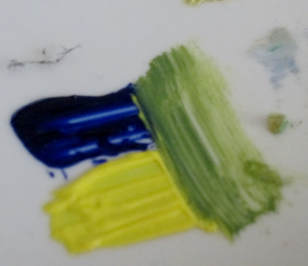 Mixing colours Yellow and blue make green